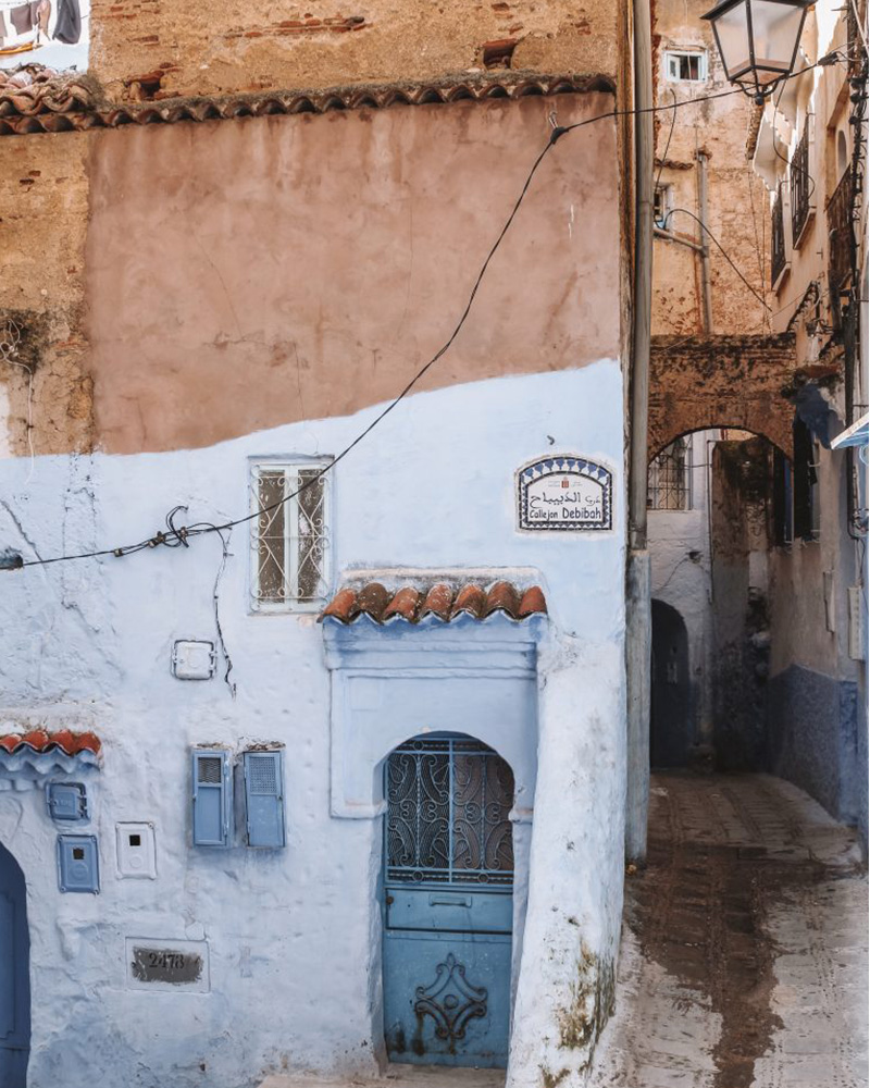 A small alleyway in Chefchaouen