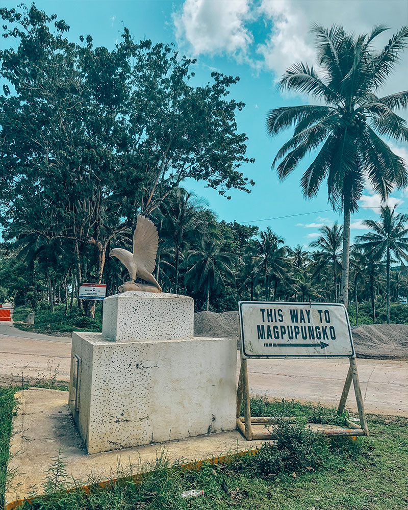 Signpost to Coconut Tree Hill viewpoint