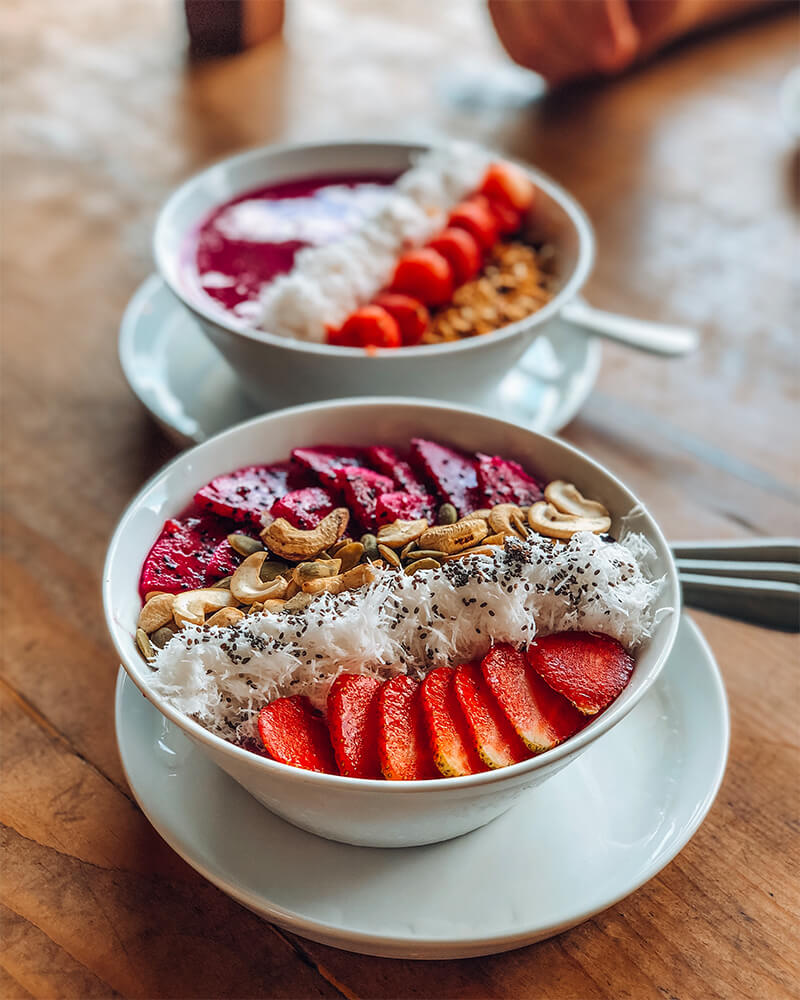 Smoothie bowl, lifes crate cafe,  in Canggu, Bali, Indonesia