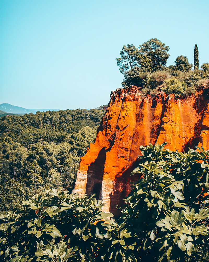 Sentiers Des Ochres - red rocks in Roussillon in Provence South of France