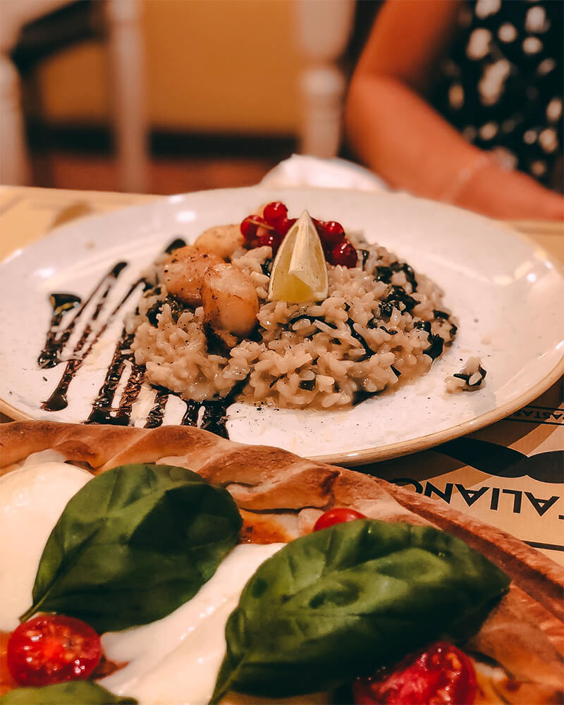 Seaweed risotto and scallops