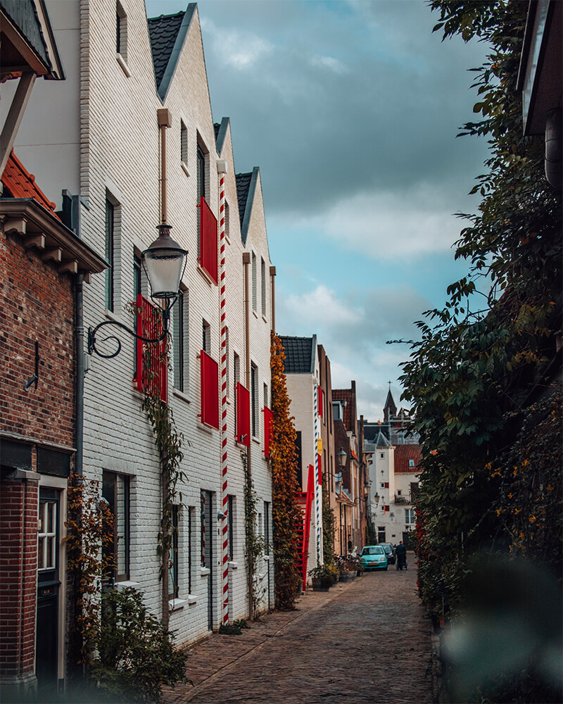 A white and red house in Amersfoort
