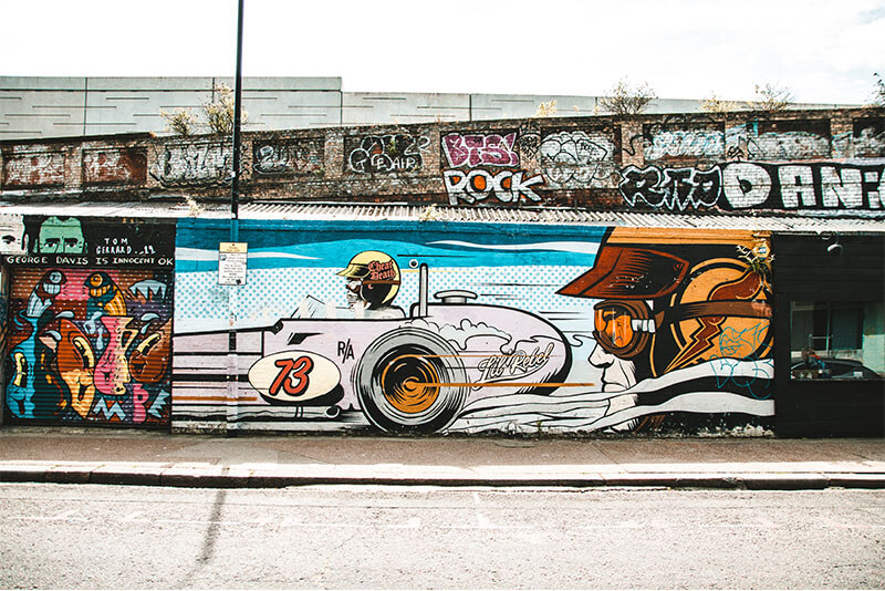 Sclater Street in Shoredtich comic style mural