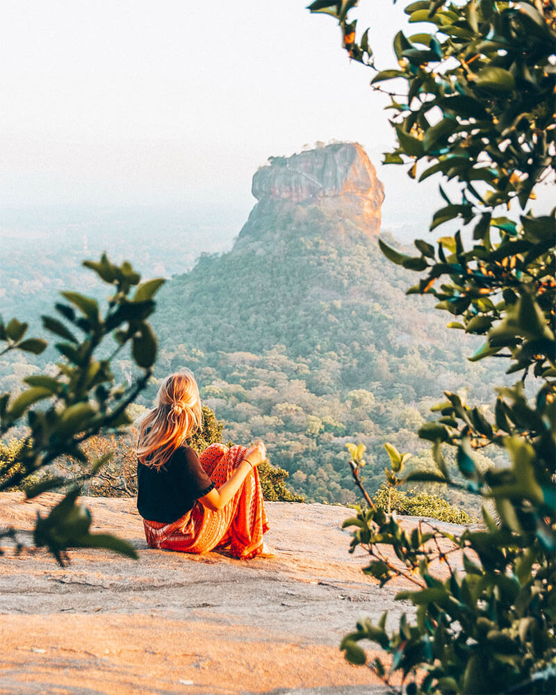 Solarpoweredblonde in Sri Lanka at sunset - travel photography tips and ideas